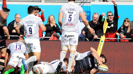 Saracens' Alex Goode scores his side's second try of the game against Bath during the Aviva Premiers