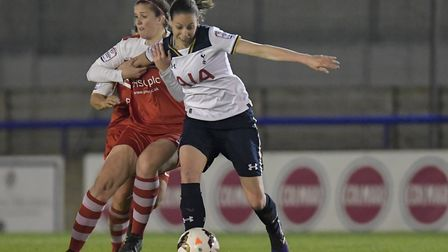 Katie O'Leary in action for Spurs Ladies against Charlton (pic wusphotography.com)