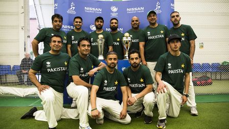 Rizwan Siddiqui (top row, second from the right) and his Pakistan team (pic: Sportsbeat/Roberto Payn