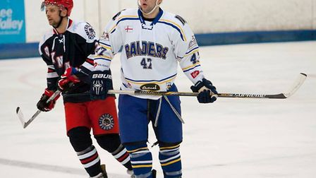 Lewis Jones in action for the London Raiders against Invicta Dynamos (pic: John Scott)