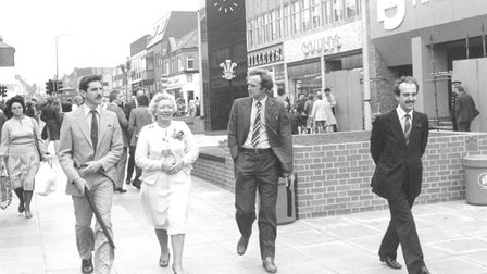 Daphne Mellor touring London Road North as it is opened as a pedestrian street in September 1982. Ph