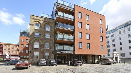 Oval Road, NW1, �995,000