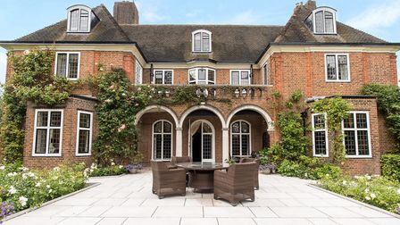 Constable close is an impressive double fronted detached family residence set in Hampstead Garden Su