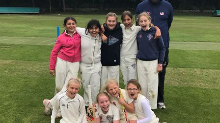 Hampstead's under-11 girls team smile for the camera (pic: Hampstead CC).