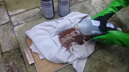 During a test, this t-shirt began to discolour and turn brown as soon as the strong acid drain unblo