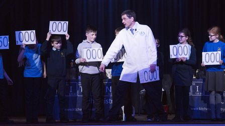 Dr Stephen Ashworth demonstrates his Kitchen Chemistry workshop to school children from the Lowestof