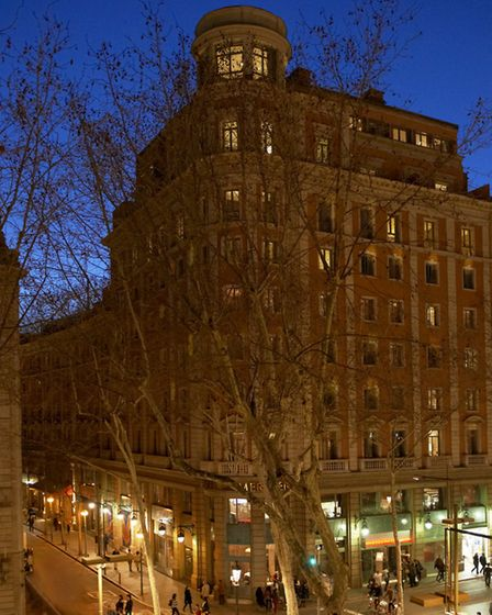 Le Méridien Barcelona which occupies a prime spot in the city, just off La Rambla