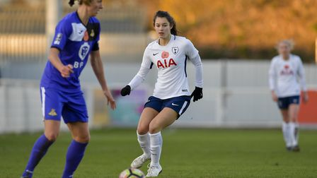 Lauren Pickett in action for Tottenham Hotspur Ladies (pic: wusphotography.com)