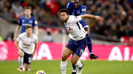 Tottenham Hotspur's Mousa Dembele and Everton's Yannick Bolasie (back) battle for the ball during th