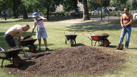 Eugene, Sheila and Mustafa mulching trees on Stoke Newington Common 2005. Picture: Tree Musketeers