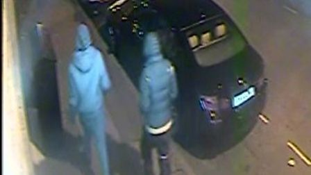 The two men were seen heading towards Clissold Park. Picture: Met