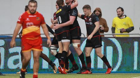 Mark Flanagan of Saracens celebrates scoring a try during the Anglo-Welsh Cup tie against Dragons (p