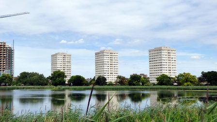 Lincoln Court from the east reservoir. Picture: Peter O'Connor aka anemoneprojectors (CC BY-SA 2.0)