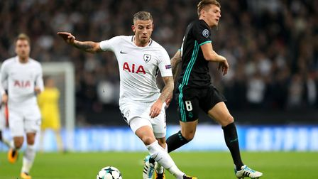 Tottenham Hotspur's Toby Alderweireld (left) and Real Madrid's Toni Kroos (right) battle for the bal