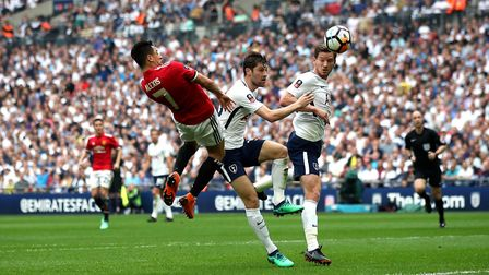 Manchester United's Alexis Sanchez (left) scores his side's first goal of the game during the Emirat