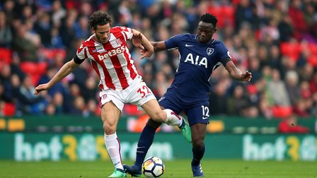 Stoke City's Ramadan Sobhi (left) and Tottenham Hotspur's Victor Wanyama battle for the ball (pic Ni