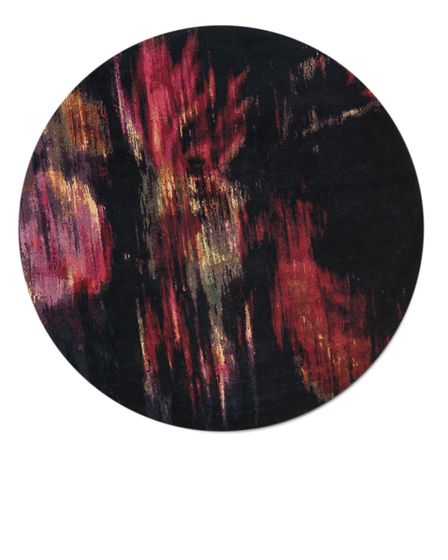 Michal Cole's second collaboration with Knots Rugs, based on her painting 'Roses'.