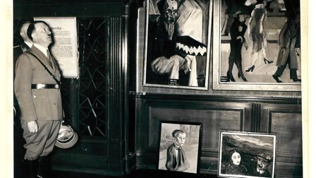 Hitler visiting the degenerate art exhibition in munich, 1937. (picture: The Wiener Library)