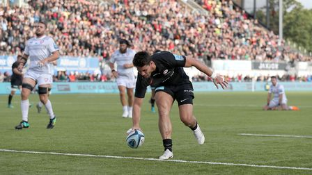 Saracens' Sean Maitland runs in to score his side's fourth try against Gloucester (pic: Andrew Matth