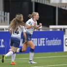Rianna Dean shows her delight after scoring for Tottenham Hotspur Ladies at Crystal Palace Ladies (p