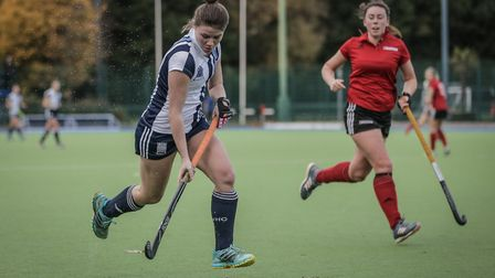 Hampstead's Jasmine Clark attacks (pic Mark Clews)