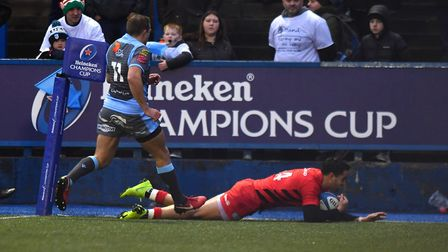 Saracens' Sean Maitland scores the first try of the game against Cardiff Blues (pic: Simon Galloway/
