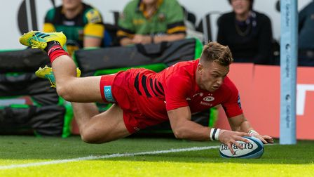 Alex Lewington will want to get among the tries for Saracens at Leicester Tigers (pic: Paul Harding/