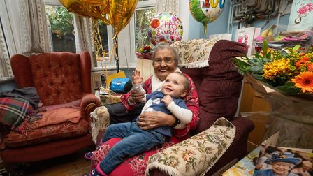 Mavis Jackson on her 100th birthday with her great grandaughter Ella Rose. Picture: @siornaphotograp