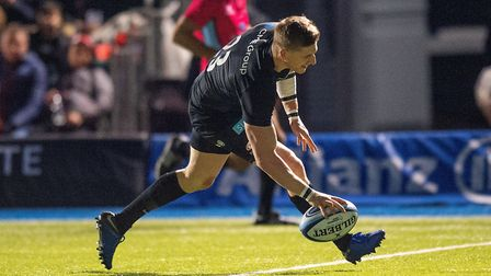 Saracens David Strettle scores a try against Worcester (pic Mark Pain/PA)