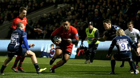 Saracens' Billy Vunipola on his way to scoring the opening try at Sale Sharks (pic: Richard Sellers/