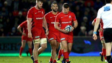 Saracens players look dejected after the defeat at Sale Sharks in the Gallagher Premiership (pic: Ri