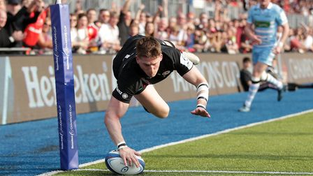 Saracens' David Strettle scores a try during the European Champions Cup quarter final match at Allia