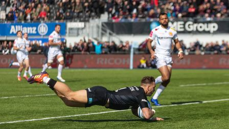 Saracens' Alex Lewington scores their second try during the Gallagher Premiership match at Allianz P