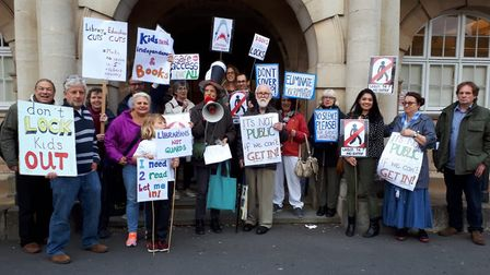 Save Barnet Libraries campaigners outside of Hendon Town Hall. Picture: Ruth Kersley / Save Barnet L