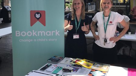 Two Bookmark Reading members - Millie Connor and Jess Trollope - at the Islington Volunteer Fair. Pi
