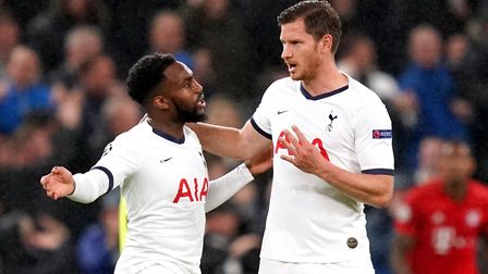Tottenham Hotspur's Danny Rose (left) and Jan Vertonghen have words during the UEFA Champions League