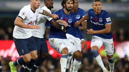 Tottenham Hotspur's Toby Alderweireld (left) and Serge Aurier battle with Everton's Andre Gomes (cen