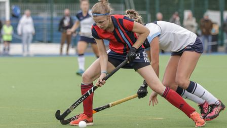 Lauren Turner shields the ball (pic Mark Clews)