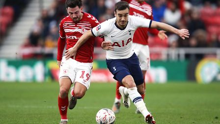 Middlesbrough's Patrick Roberts (left) and Tottenham Hotspur's Harry Winks battle for the ball durin
