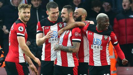 Southampton's Danny Ings (centre) celebrates with teammates after scoring against Tottenham