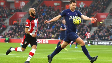 Southampton's Nathan Redmond (left) and Tottenham Hotspur's Jan Vertonghen battle for the ball