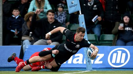 Saracens Alex Lewington goes on to score his side's third try during the Gallagher Premiership match