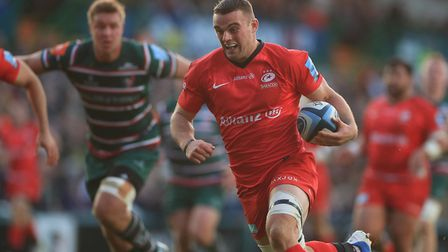 Saracens' Ben Earl scores a try at Leicester
