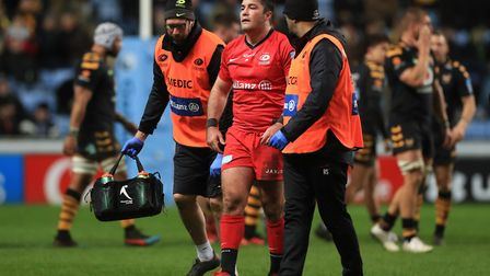 Saracens' Brad Barritt leaves the field injured during the Gallagher Premiership match at the Ricoh