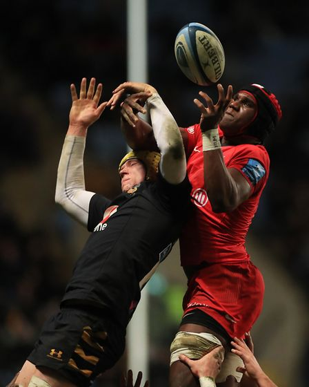 Saracens' Joel Kpaku and Wasps' Thibaud Flament during the Gallagher Premiership match at the Ricoh