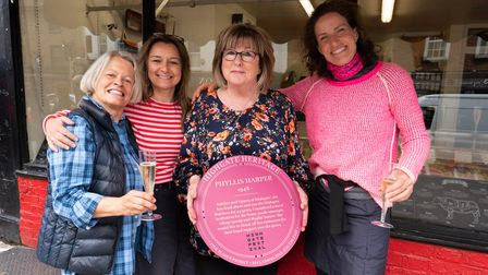 Phyllis Harper is awarded a Highgate Heritage plaque from Highgate Festival organisers Catharine Wel