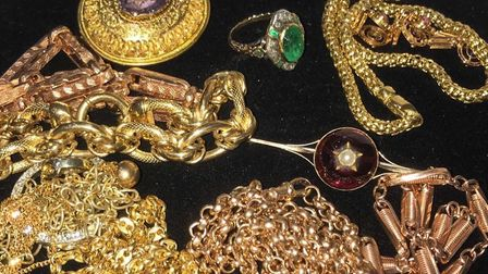 Jewellery sold by Dawsons Auctioneers