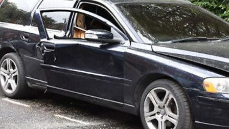 Detectives release image of large Volvo estate believed to be linked to the murder of Oluwamayowa Ad