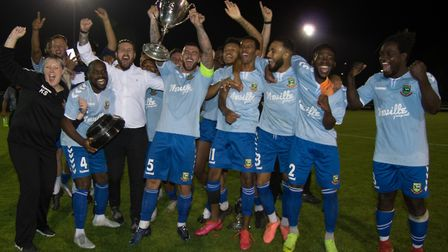 Hendon FC celebrate their London Senior Cup victory (Pic: DBeech Photography)