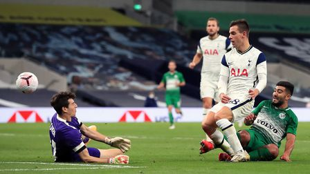 Tottenham Hotspur's Giovani Lo Celso scores his side's fourth goal of the game during the UEFA Europ